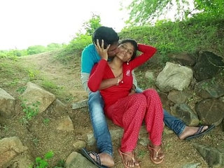 Village Aunty Romance With Neighbour In Outdoor Latest Telugu Romantic Short