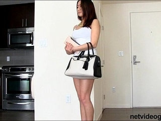 Cute Asian amateur gets roped into