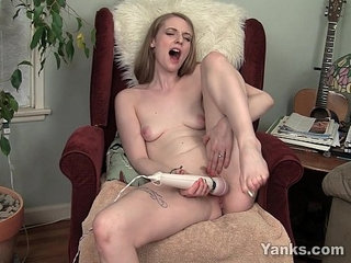 Sexy Ela Pleases Her Pussy With Vibrator